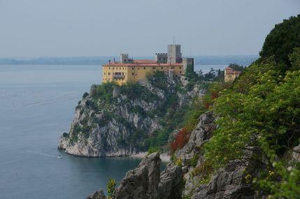 1024px-Castello_di_Duino_0904