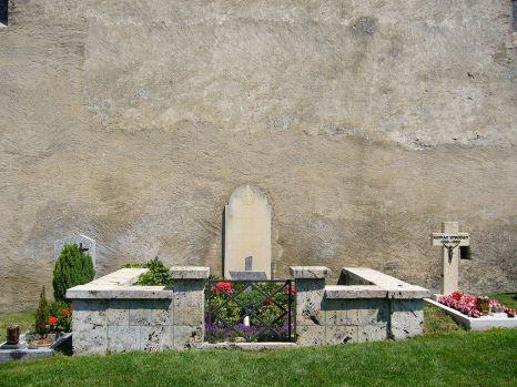 Grave_of_Rainer_Maria_Rilke_at_the_churchyard_in_Raron_-_Swizerland